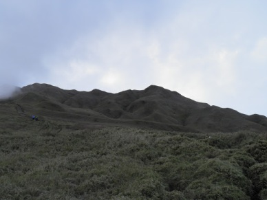 Revisiting Mt. Pulag: Day 1 – Outreach and Saddle Camp with CAC and ROTA!